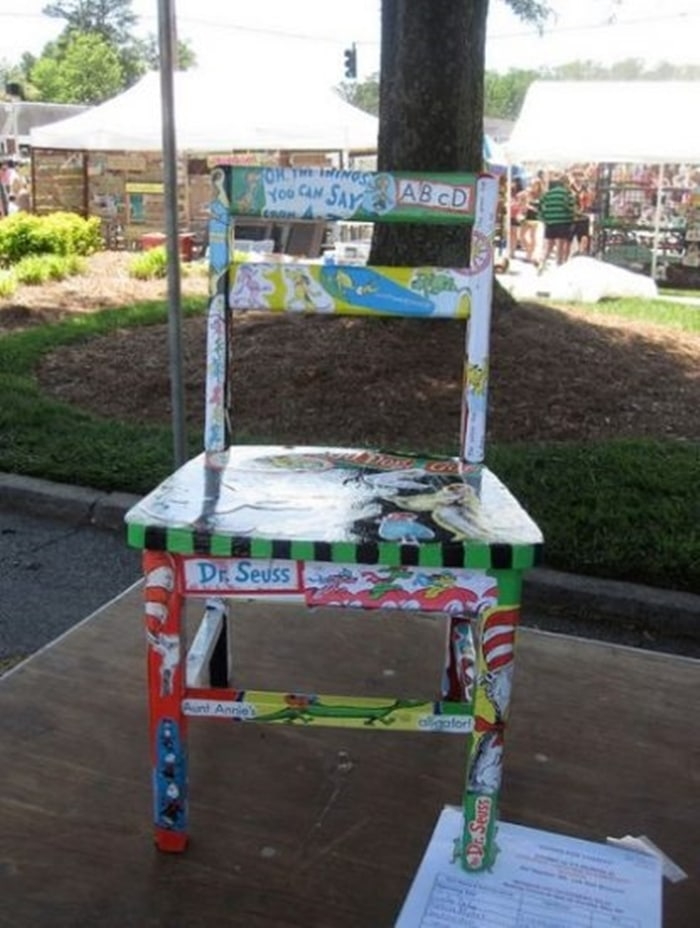 31 Ideas for Read Across America and Dr. Seuss - Decoupage Chair