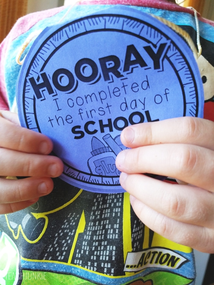 FREE First Day of School Necklaces (Editable) - for kindergarten